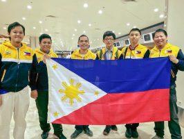 The Philippine delegation, including bronze medalist Robin Yu,
